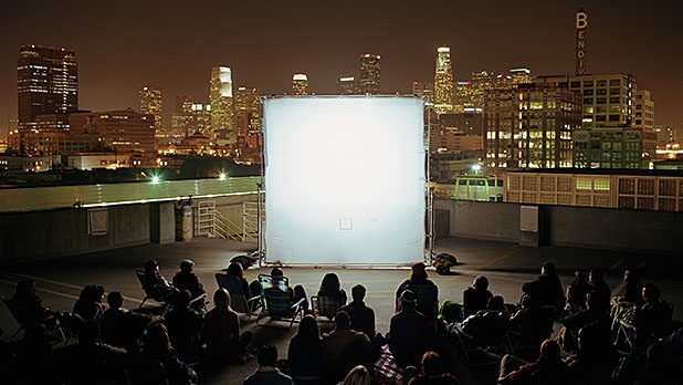 mj-618_348_the-projector-home-cinema-under-the-stars