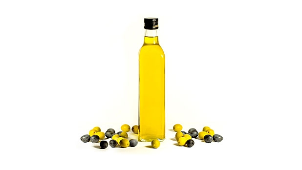 mj-618_348_the-right-way-to-cook-with-oil