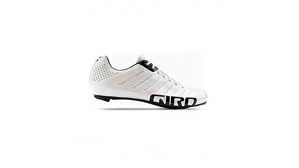 mj-618_348_the-tour-de-france-worthy-shoe-cycling-essentials-for-a-long-ride