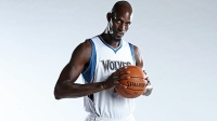 Kevin Garnett, 39, one of the players to reach 25,000 points.