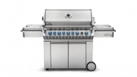 mj-618_348_this-summers-most-badass-grill