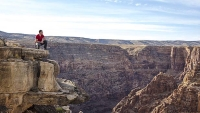mj-618_348_tightrope-walking-the-grand-canyon