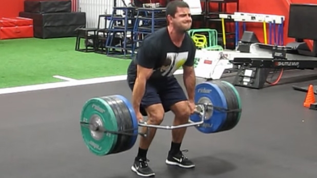 mj-618_348_trap-bar-deadlifts-the-best-leg-exercises-you-can-do