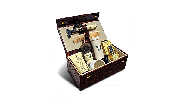 mj-618_348_travel-sized-grooming-essentials