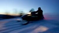 mj-618_348_two-nation-snowmobile-vacation