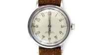 mj-618_348_wear-a-watch-25-easy-ways-to-upgrade-your-style