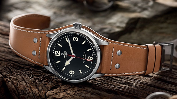 mj-618_348_weekend-watches-12-casual-cool-new-looks