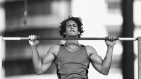 mj-618_348_weighted-pull-ups-ninja-warrior-strength-moves