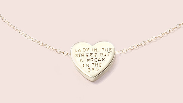 mj-618_348_what-you-should-buy-her-for-valentines-day-this-year