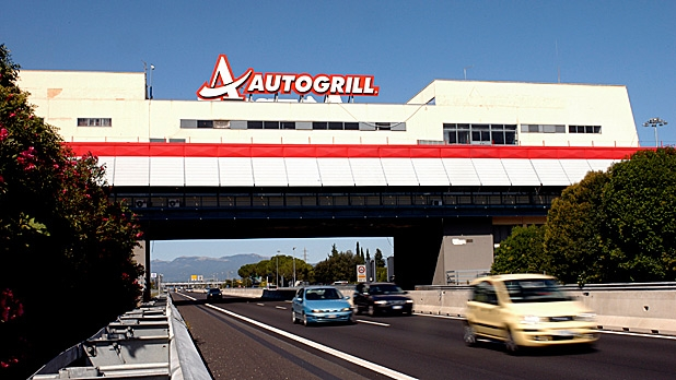 mj-618_348_why-autogrills-are-the-best-part-of-an-italian-road-trip