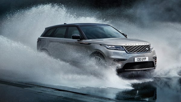 rr_velar_18my_435_glhd_pr_location_dynamic_010317-966d13c5-648d-4eb0-8fb6-23946d147f25