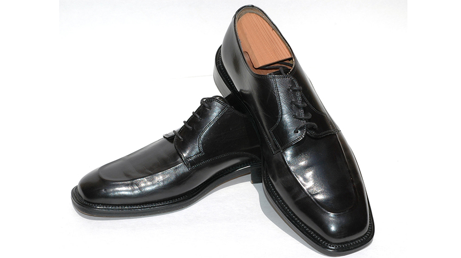 Square-toed man's shoes