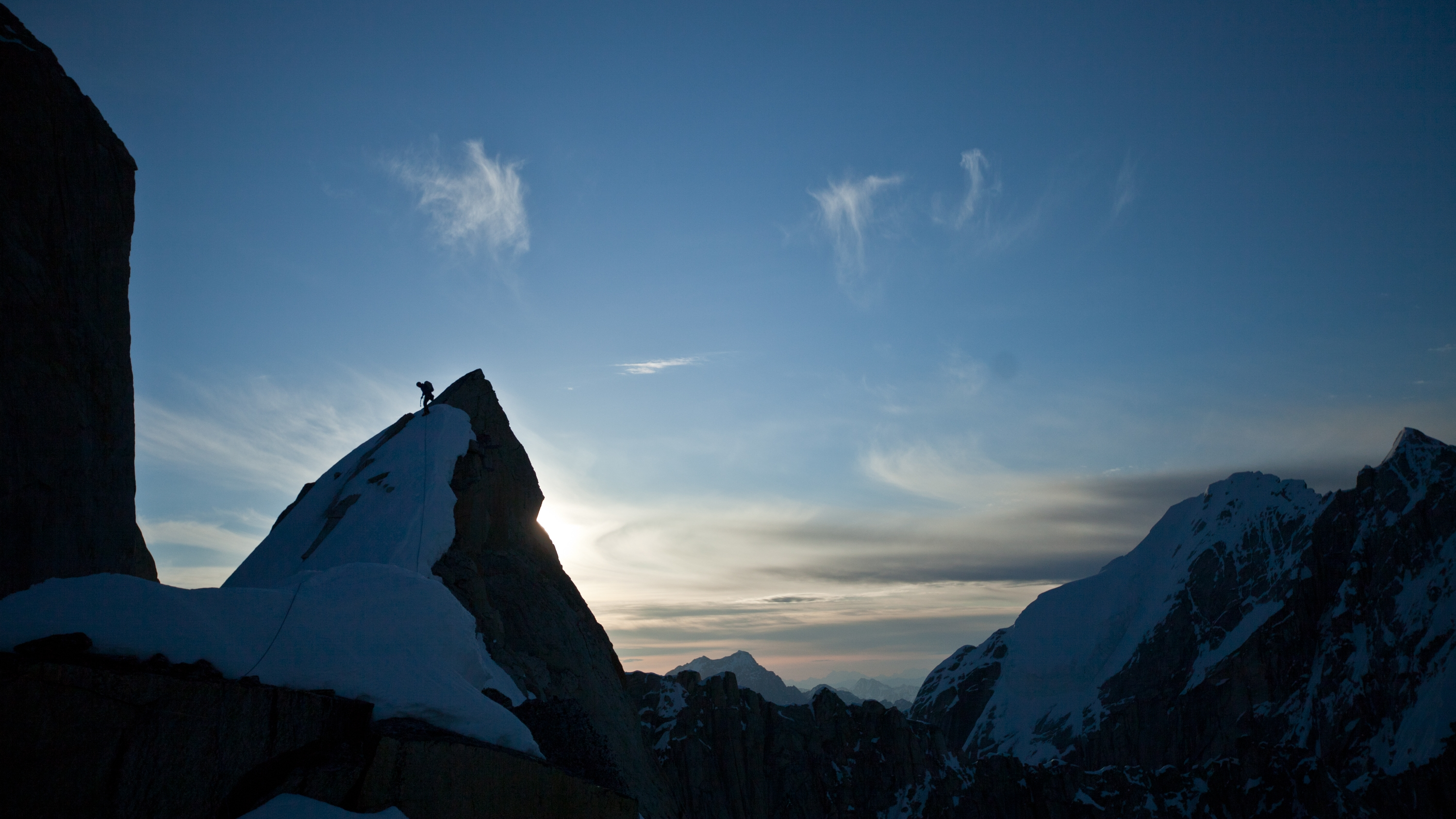 tooth-traverse_renan-ozturk-photo_2-7bd11e51-268d-47b7-9429-6735a23777dd